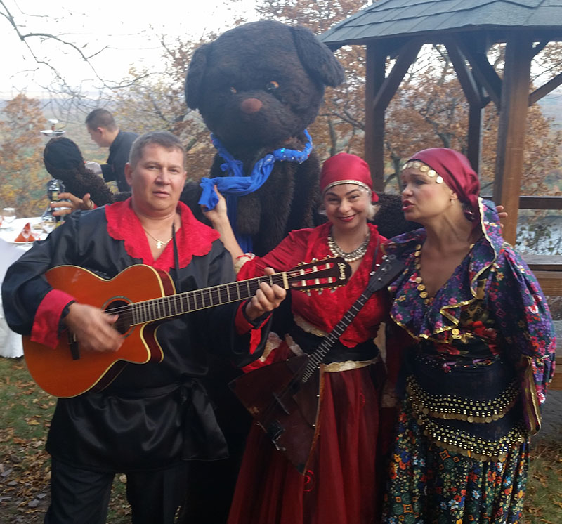 Moscow Gypsy Army, Московская цыганская армия, Pocono Mountains, Pennsylvania, Gypsy dancers, Gypsy singer, Gypsy music, Gypsy show, Цыганское шоу в горах Поконо, штат Пенсильвания